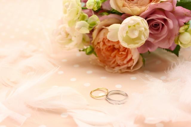 妻へ贈る結婚記念日のプレゼント とっておきの選び方