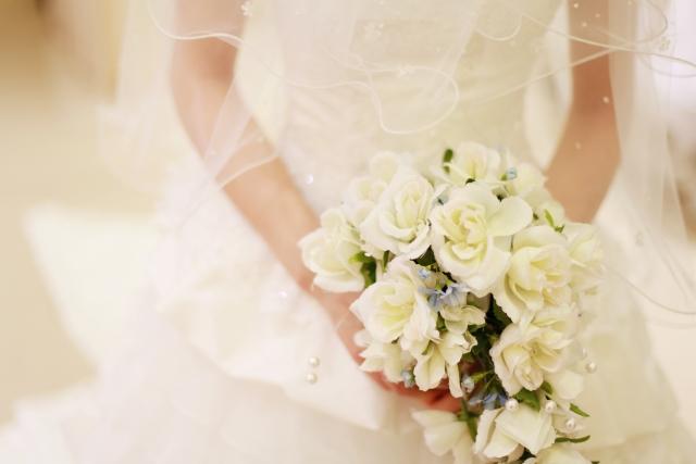 結婚式にて両親へ 感謝あふれる花束を